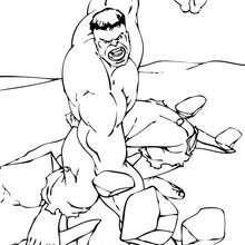 O Hulk quebrando uma rocha