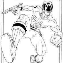 Power Ranger com uma arma a laser