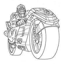 Power Rangers com uma moto