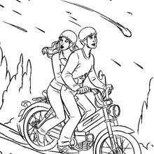 Homem aranha andando de moto
