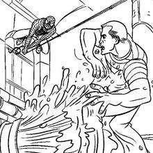 O Homem-Aranha atacando o Homem-Areia