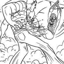 O Homem-Aranha dando um golpe no Homem-Areia