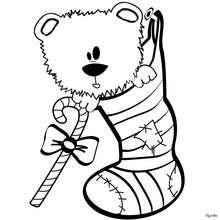 Desenho de um ursinho de pelúcia dentro da meia para colorir