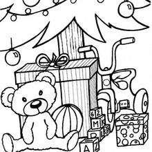 Desenho de uma árvore de Natal e um ursinho de pelúcia para colorir