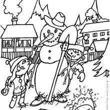 Desenho de crianças sapecas fazendo um boneco de neve para colorir