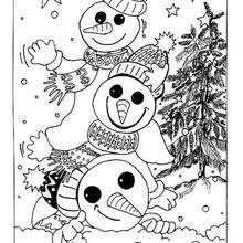 Desenho de uma pirâmide de bonecos de neve e para colorir
