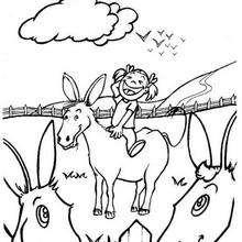 Desenho de uma menina com um burrinho para colorir