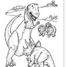 Desenho de um tiranossauro lutando com um Tricerátopo para colorir