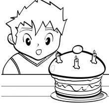 Desenho de um delicioso bolo de aniversário para colorir