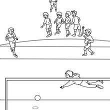 Desenho de um jogador de futebol marcando um pênalti para colorir