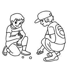 Desenho de meninos jogando bolinha de gude para colorir