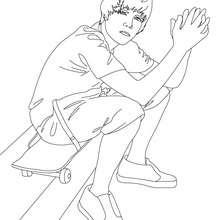 Desenho do Justin sentado para colorir