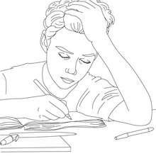 Desenho de um aluno escrevendo no seu caderno para colorir