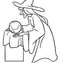 Desenho de uma bruxa olhando a sua bola de cristal para colorir