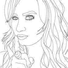 Desenho da Demetria Lovato posando para colorir