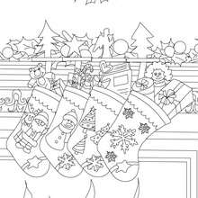 Desenho das meias de Natal cheias de presentas para colorir
