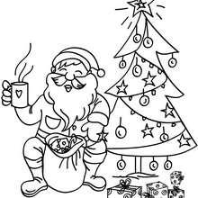 Desenho do Papai Noel bebendo um chocolate quente para colorir