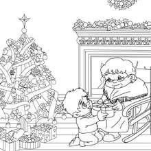 Desenho para colorir de um menino dando um presente de Natal para sua avó