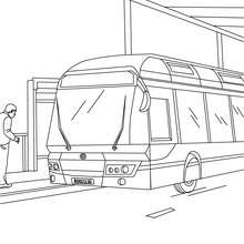 Desenho de um ônibus na rodoviária para colorir