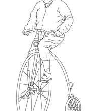 Desenho de um homem andando com uma bicicleta antiga para colorir