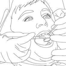 Desenho de um dentista observando os dentes de uma criança para colorir