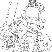 Desenho de um policial na sua moto com um radar móvel para colorir