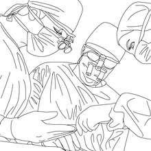 Desenho de um cirurgião operando um paciente para colorir