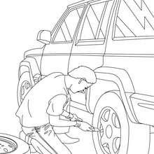 Desenho de um mecânico trocando pneu para colorir