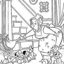 Nana com uma vassoura