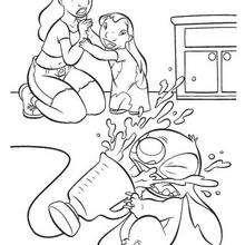 Stitch com um liquidificador