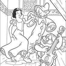 A Branca de Neve dançando com o Dunga