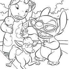 Lilo e Stitch comendo sorvete