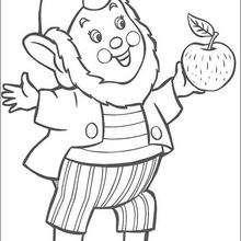 O duende Orelhas com uma maçã