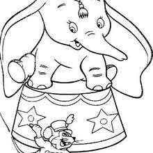 Dumbo com seu amigo Timóteo