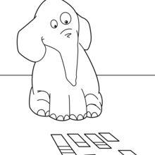 Elefante que joga com o mapa
