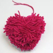 Como fazer uma borla em forma de coração ?