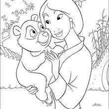 Mulan com um pequeno Urso
