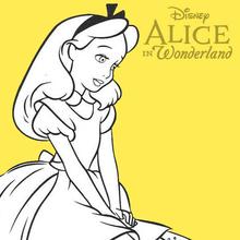 Alice sentada em um cogumelo