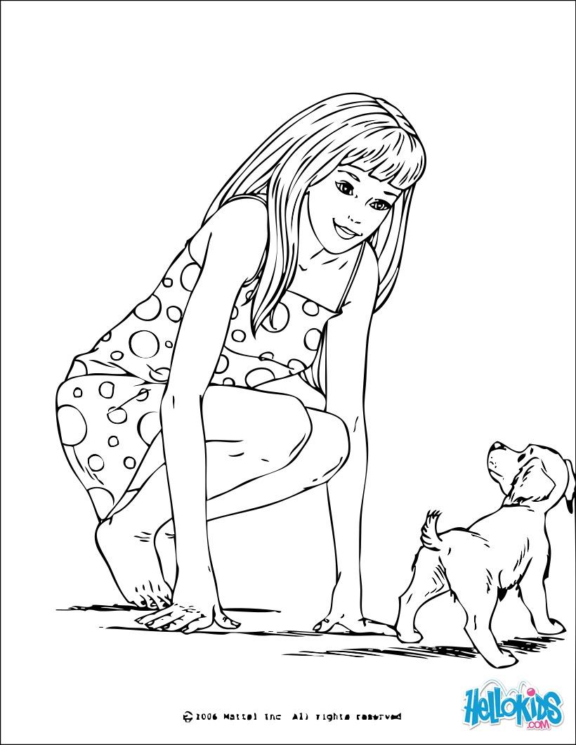 Barbie e um cachorro pequeno